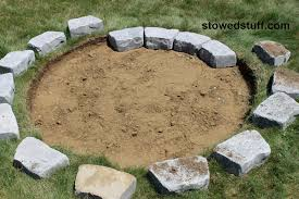 How To Make A Fire Pit In The Backyard by How To Build A Fire Pit Stowed Stuff