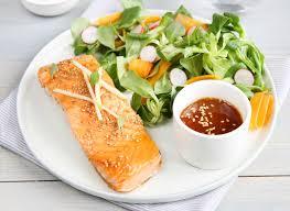 cuisiner pavé saumon pavé de saumon au caramel de cidre et sésame danon