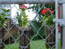 Decorate A Chain Link Fence 6 Decorated Chain Link Fences Curbly