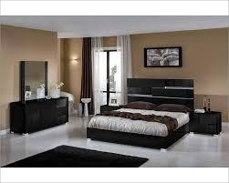 Black And Wood Bedroom Furniture Modern Bedroom Sets D S Furniture Leather Modern