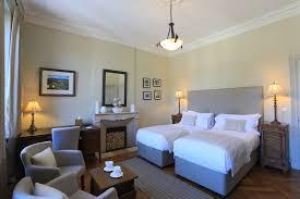 chambre lit jumeaux supérieure avec lits jumeaux ou la villa de mazamet