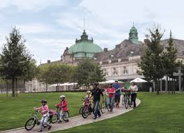 Kurpark Bad Oeynhausen Das Kurhaus Bad Oeynhausen Ist Symbol Des Prunks Vergangener Tage