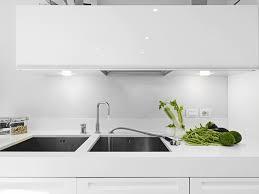 luminaire plan de travail cuisine quel éclairage choisir pour la cuisine trouver des idées de