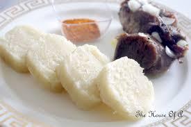 cuisiner du manioc manioc accompagné de chèvre grillée the house of a