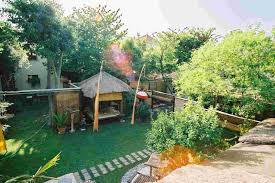 chambre d hotes uzes location de chambres d hôtes et gîte avec jardin dans le centre d