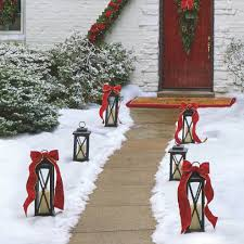 Lighted Outdoor Christmas Displays by Outdoor Christmas Decor Outdoor Christmas Displays Frontgate