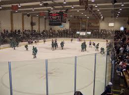 bentley college hockey file frank ritter memorial ice arena jpg wikimedia commons
