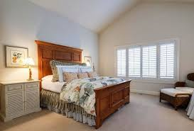 Bedroom Crown Molding Creating Different Things With Crown Molding Vaulted Ceiling