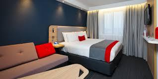 Holiday Inn Express Bath Hotel By IHG - Holiday inn family room