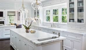 how to clean kitchen cabinets without leaving streaks clean streak from cabinet