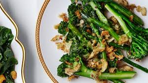 thanksgiving broccolini cheddar gratin with rye breadcrumbs