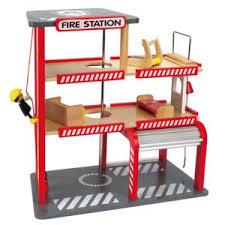 alinea cuisine enfant alinéa mael caserne de pompier en bois pour enfant pas cher