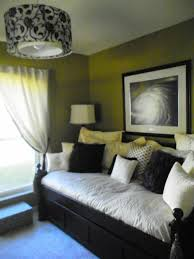 spare bedroom ideas best 25 spare bedroom office ideas on guest room