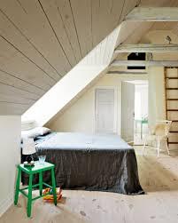 bardage bois chambre aménagement combles bardage bois home design déco