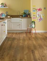 laminat in der küche linoleum flooring kitchen ideas vinyl laminat verlegen bodenbelag