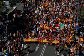 katalonien tausende katalanien protestieren gegen unabhängigkeit