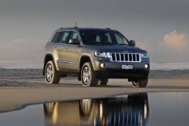 floating jeep jeep wk2 grand cherokee review 2011 on diesel and v6