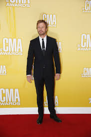 dierks bentley evelyn day bentley check out dierks bentley on the red carpet this cowboy sure knows