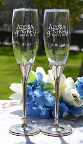 wedding gift glasses best 25 wedding chagne flutes ideas on chagne