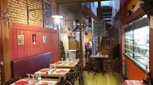 a la cuisine les tables à la cuisine picture of la fossetta lille