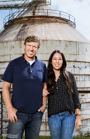 Joanna Gaines Magazine Fixer Upper U0027 Stars Chip U0026 Joanna Gaines Texas U0027 Most Famous Couple