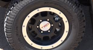toyota tacoma tire size how does the 2015 toyota tacoma trd pro do at 0 60 mph