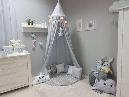 kinderzimmer in grau babymajawelt 4673 betthimmel baldachin grau sterne
