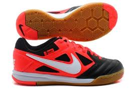 Nike Gato 44 99 nike5 youth gato black and orange 441715 016 indoor soccer