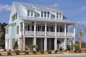 8 homes with exterior paint colors done right