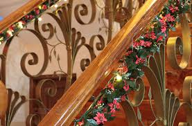 Christmas Lights For Stair Banisters Christmas Decorating Idea Garlands And Lights On The Stair