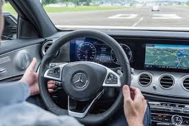 test si e auto tcs tcs testet autopiloten ohne fahrer gehts heute noch nicht blick