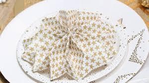Pliage Serviette Papier Poinsettia by Pliage Serviette Flocon Youtube