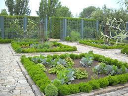 Small Kitchen Garden Ideas by 20 Impressive Vegetable Garden Designs And Plans Interior Design