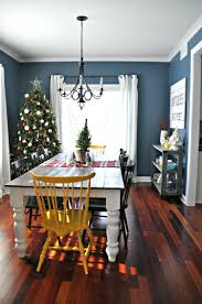 Farmhouse Dining Rooms Fascinating Farmhouse Dining Room Decorated For Christmas I Like