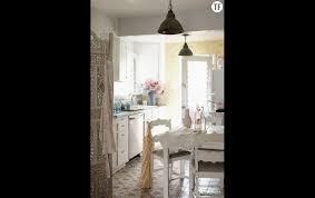 deco cuisine romantique décoration shabby une cuisine à l anglaise terrafemina