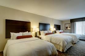 Two Bedroom Hotel Suites In Chicago Clarion Inn Elmhurst Oakbrook Il Hotel Near Oakbrook In
