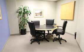 private meeting room for 4 at intelligent office tucson
