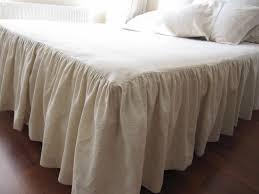Skirted Coverlet 25 Best Bedroom Images On Pinterest Guest Bedrooms Guest Room