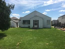 Single Family Home by Two Bedroom Single Family Home In Elgin Illinois Key Auctioneers
