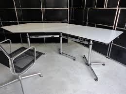 Schwarzer Schreibtisch Möbel Büromöbel Kinnarps Haworth Usm Haller Vitra Ankauf