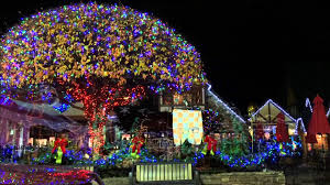christmas light show pigeon forge tn smoky mountain winterfest in motion a driving tour thru