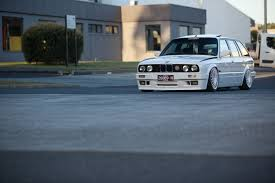 bmw slammed wagonair e30 estate with itbs and slammed on air u2014 need we say