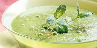 cuisiner des petit pois surgel soupe petits pois surgelés facile et pas cher recette sur cuisine