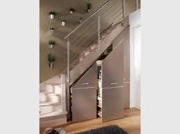 cuisine sous escalier rangements et aménagements sous l escalier 15 exemples malins