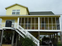 4 bedroom 2 bathroom canal house steps to the beach access property image 2 4 bedroom 2 bathroom canal house steps to the