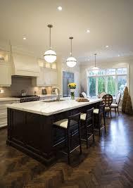 kche zu dunklem boden 35 auffallende weiße küchen mit dunklen holz fußböden home deko
