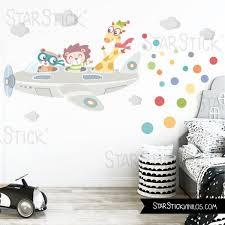 sticker mural chambre bébé avion avec animaux sticker muraux chambre bébé