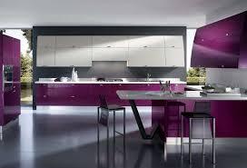 küche lila moderne küchen ideen mit lila weiß hochglanz dekor in anthrazit
