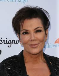 kris jenner haircut side view keeping up with her daughter s derrieres kris jenner gets butt