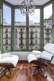 Uma Floor L Uma Suites Ronda Universitat Three Homeaway Dreta De L Eixle